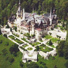 Peles-Castle-Pinterest-3