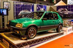 #Peugeot #205 GTI au salon Retromobile à #Paris Reportage complet : http://newsdanciennes.com/2016/02/08/grand-format-retromobile-2016/ #Vintage #VintageCar