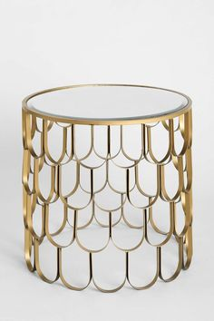 Plum & Bow Libby Side Table- Gold One from Urban Outfitters. Saved to furniture. Motif Art Deco, Art Deco Decor, Art Deco Home, Art Deco Design, Urban Outfitters, Verre Design, Estilo Art Deco, Boho Home, Home Living