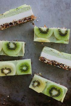 "Raw kiwi-ginger ""cheesecake"" from My Darling Lemon Thyme | Vegan, dairy-free, gluten-free"