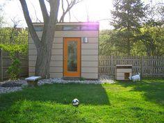 David van Alphen's modern shed sprouted a mini-me: a modern dog house for his modern pooch.