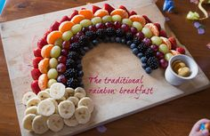 Our favourite birthday tradition.. Fruit rainbow breakfast! Healthy and fun idea for kids birthday parties.