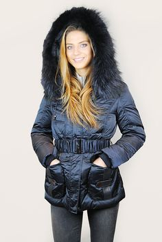 JESSIMARA SHORT NAVY HOODED DOWN PUFFER WITH RACCOON FUR TRIM