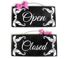 Open and Close sign. Double sided. Bow color by DiamondDustDesigns, $15.00