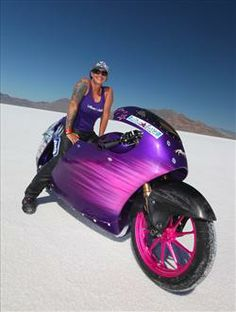 Jody Perewitz, the first woman to run more than 200 miles per hour on an American V-twin.