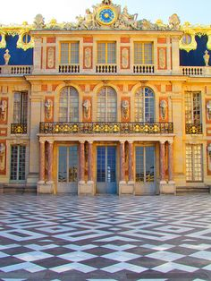 Thought you might enjoy this video -  http://www.youtube.com/watch?v=852eroBwDrA-  Château de Versailles