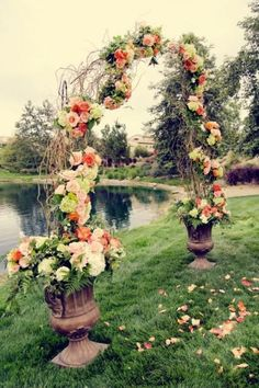 loving those big urns to be used as decorations along the path!
