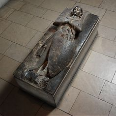 Tomb Effigy of Jean dAlluye, mid-13th century. Made in Touraine, Loire Valley. French. he Metropolitan Museum of Art, New York. The Cloisters Collection, 1925 (25.120.201) #Cloisters