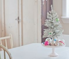19 Creative Ways Of Decorating With Ornaments Without A Tree 5 - Diy