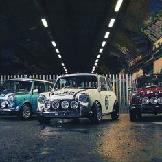 Birthday Experiences, Discover London& Street Art by Mini Cooper – T. Mini Cooper Classic, Classic Mini, Classic Cars, Adventure Gifts, Experience Gifts, London Street, Car In The World, Small Cars, Street Artists