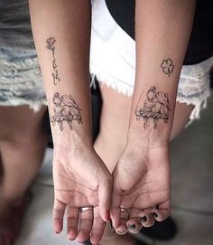 Irmãs / Sisters • Feita pela Tatuadora/Tattoo Artist:. @Carlacrisper • ℐnspiração ✩ ℐnspiration • . . #tattoo #tattoos #tatuagem #tatuagens #tatouage #tatuaje #ink #tattooed #tattooer #tatuador #instagram #tutorial #diy #tattooedgirls #irmãs #sisters #TatuagensFemininas