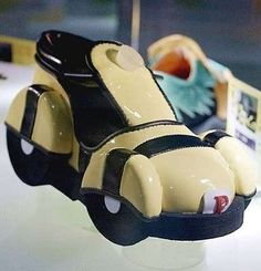 Scarpe strane da uomo - Scarpa a forma di automobile