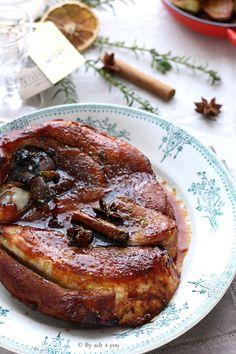 La rouelle est une tranche épaisse de viande de porc, de forme ronde, composée d'un os central avec la viande et la couenne autour. La tranche est coupée perpendiculairement à l'os de l'épaule (patte avant) ou du jambon (patte arrière). C'est une partie...