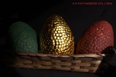 Game of Thrones dragon eggs, a different way to decorate your eggs this Easter.