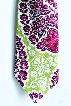 Charming Paisley Purple and Green Mens Tie - Trendy Ties