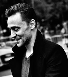 Tom Hiddleston last year in Donostia-San Sebastián film Festival. https://twitter.com/ikainphoto/status/776778345266704384