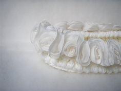 Elegant basket for newborn Baby nest Photo prop White Cocoon