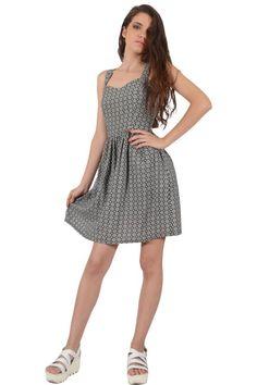 Φόρεμα εμπριμέ σε άνετη γραμμή πάνω από το γόνατο με ανοιχτή πλάτη και δέσιμο και φούστα σε κλος γραμμή