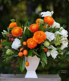 Summer Flower Centerpieces, Summer Flower Arrangements, Beautiful Flower Arrangements, Unique Flowers, Exotic Flowers, Summer Flowers, Diy Flowers, Floral Arrangements, Beautiful Flowers