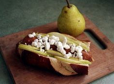 A chicken sausage or a veggie sausage make this pear and goat cheese frank a heart-healthy meal!