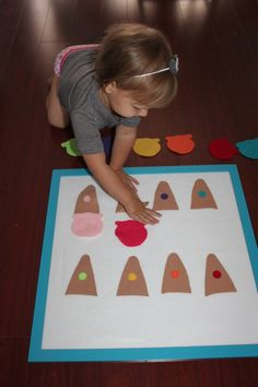 Ice cream Felt Board. another way to teach patterns. ask kids what goes next. maybe use a pic of the pattern they are to follow.