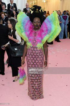 Hollywood Red Carpet, Lupita Nyongo, Gala Dresses, Atelier Versace, Awards, Notes, Metropolitan Museum, Celebrities, Party