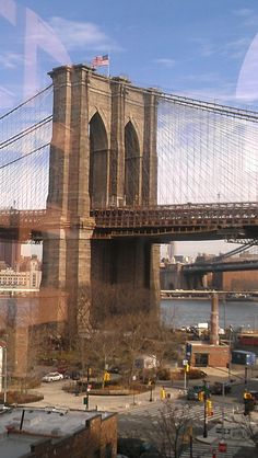Another great shot of the Brooklyn Bridge - my very favorite bridge!!! -- Curated by: Ecora Engineering & Resource Group | 579 Lawrence Avenue Kelowna BC v1y 6l8 | 250-469-9757