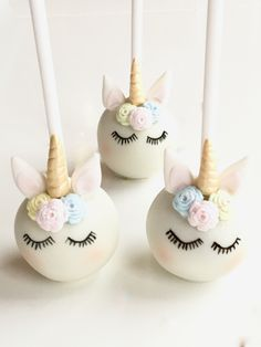 Shhhhhh.... the Unicorns are sleeping! Cute Unicorn Cake Pops... Just don't eat them before bedtime!...