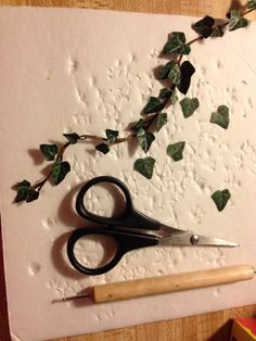 "circus-princess: ""leesmenagerie: "" Climbing ivy how to; I used thin copper wire (gauge is up to you, not sure exactly what this is), masking tape, tiny scissors (but you could use and exacto knife to..."