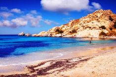 Planning a trip to Naxos and looking for the best Naxos beaches? In this guide, you will find the best beaches in Naxos island Greece Naxos Greece, Santorini Greece, Athens Greece, Greece Vacation, Greece Travel, Greece Photography, Best Rooftop Bars, The Beach, Greece Islands