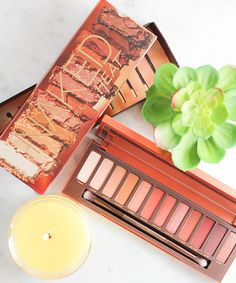 Urban Decay Naked Heat Eyeshadow Palette: The must have eye makeup palette for summer! Urban Decay Naked Heat Eyeshadow Palette: The must have eye makeup palette for summer! Make Makeup, Cat Eye Makeup, Smokey Eye Makeup, Simple Makeup, Makeup Tips, Beauty Makeup, Beauty Tips, Beauty Hacks, Makeup Ideas
