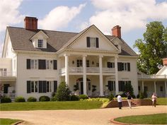 Warner Hall - My favorite place to photograph weddings! Gloucester Virginia, East Coast Road Trip, Virginia Is For Lovers, Plantation Homes, Colonial Williamsburg, Future Travel, Beautiful Buildings, Traditional House, Georgian