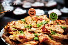 Tonnikalapizzapalat by Foodassion, via Flickr