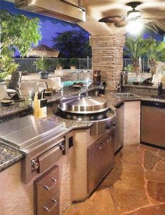 Amazing Modern Outdoor Kitchen And Grill Station In The Backyard Garden - Page 25 of 27