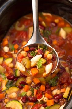 Slow Cooker Minestrone Soup (Homemade) + Recipe Video