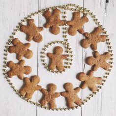 I gingerbread cookies sono i biscotti speziati che sanno di Natale, ma nulla vieta di farli tutto l'anno. Semplicissimi da preparare e davvero buonissimi!