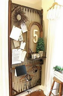 Another great organizational piece--from Funky Junk Interiors I have an old baby bed springs. I wanna do this! Old Bed Springs, Mattress Springs, Crib Mattress, Mattress Frame, Repurposed Items, Repurposed Furniture, Diy Furniture, Vintage Furniture, Funky Junk Interiors
