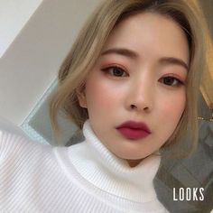 "13k Likes, 49 Comments - 임보라(boralim) (@3.48kg) on Instagram: ""메컵받았다. 어플로. #looks #lookscamera #makeupapp #룩스 #메이크업어플"""