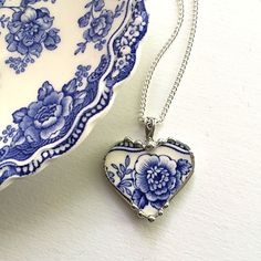 Recycled china: broken china jewelry necklace heart pendant beautiful antique blue floral English #transferware #recycledchina #brokenchina