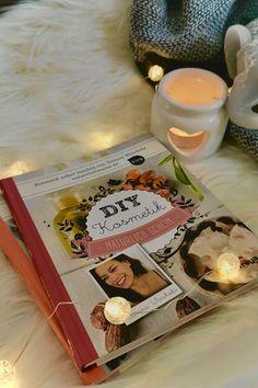 """Unser Buchtipp des Tages, heute, """"DIY Kosmetik Natürlich schön."""" von Tatjana Warchola. Weitere Infos gibts bei Klick auf den Link. Der NGL Verlag wünscht euch noch einen schönen Tag und viel Lesefreude. #Buch #Buchempfehlung #Autorin #Lesen #Lesefreude Bath Caddy, Blog, Writing Tips, Book Recommendations, Good Day, Blogging"""