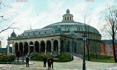 Lijn 9, halte 9 - Plantage Middenlaan, Panoramagebouw.  Afgebroken in 1935. En vervangen door een plantsoen vernoemd naar de bouwer ervan: Westerman.