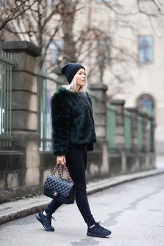 All black chic // Linda Juhola winter style