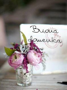 Ideas Flowers Arrangements Diy Centerpieces Color Schemes For 2019 Paper Flowers Roses, Tissue Paper Flowers, Small Flowers, Diy Flowers, Wedding Flower Guide, Wedding Flowers, Wedding Ideas, Flower Quotes Love, Small Flower Arrangements