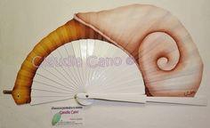 Abanicos pintados a mano por Claudia Cano: Nueva Colección 2015 ABANICO DISPARATE CON CARACOL...