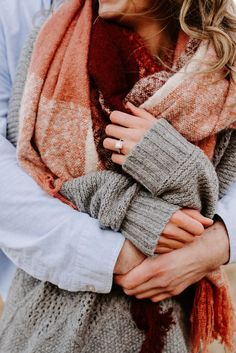 Engagement Shots, Engagement Photo Outfits, Fall Engagement, Engagement Couple, Couple Photography Poses, Engagement Photography, Winter Engagement Pictures, Winter Couple Pictures, Shooting Couple