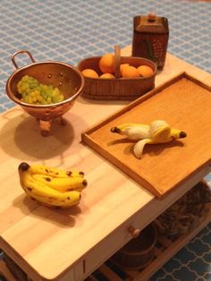 Dollhouse Miniature Food - Miniature polymer clay bananas from Pure Joy Miniatures