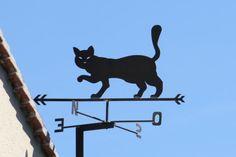 Ḅlack cat weather vane