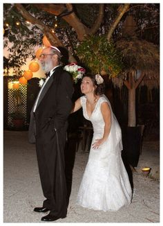 Adorable wedding pic idea-bride hiding behind her father b4 walking down the aisle