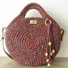 """aadf014e133 ... Instagram  """"Szeretettel horgolva ❤  macaronbag  mutimithorgolsz   fashion  vabenemanufaktura  kötött  horgolt  taska  knittedbag  handmade   crochetbag…"""