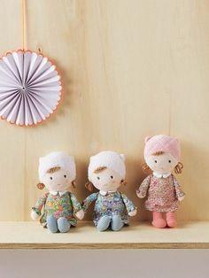 idée cadeau pour petite fille : poupée en tissu liberty
